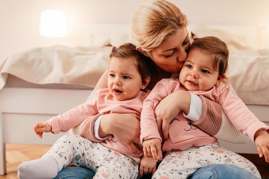 ikiz bebek bakıcısı